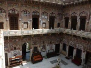 Cour intérieur d'un haveli à Mandawa au Shekhawati