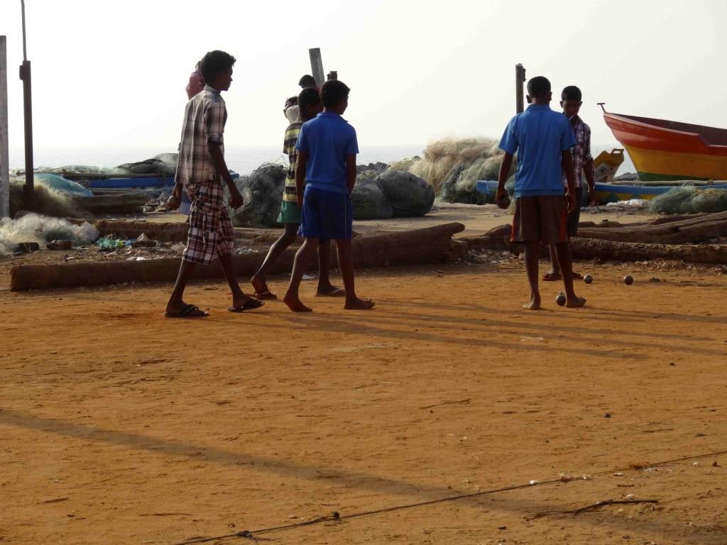 Partie de pétanque matinale à Pondichéry