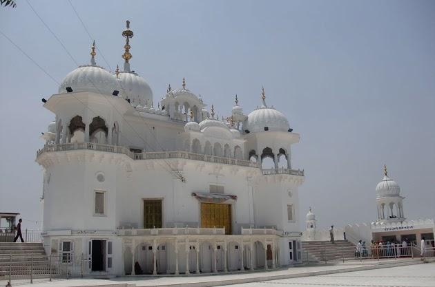 La principale Gurudwara,  Takht Sri Kesgarh Sahib