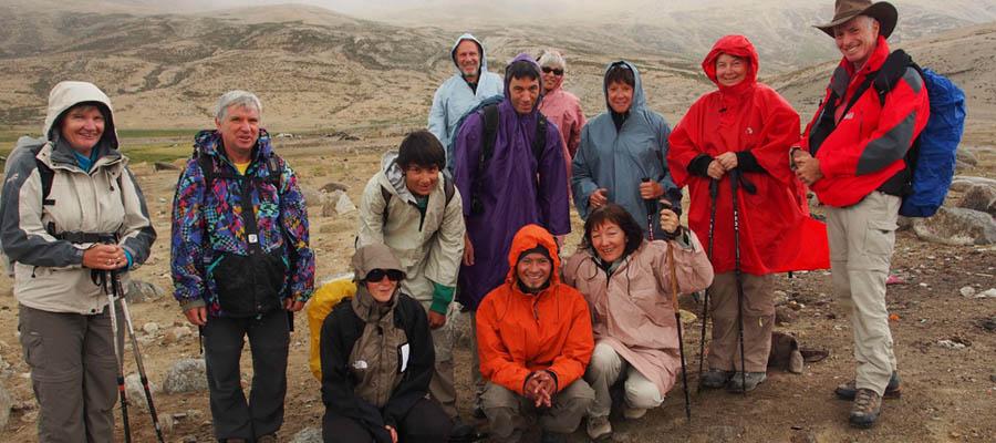 Groupe de trekkeurs sur la route de l'Indus au Chagntang