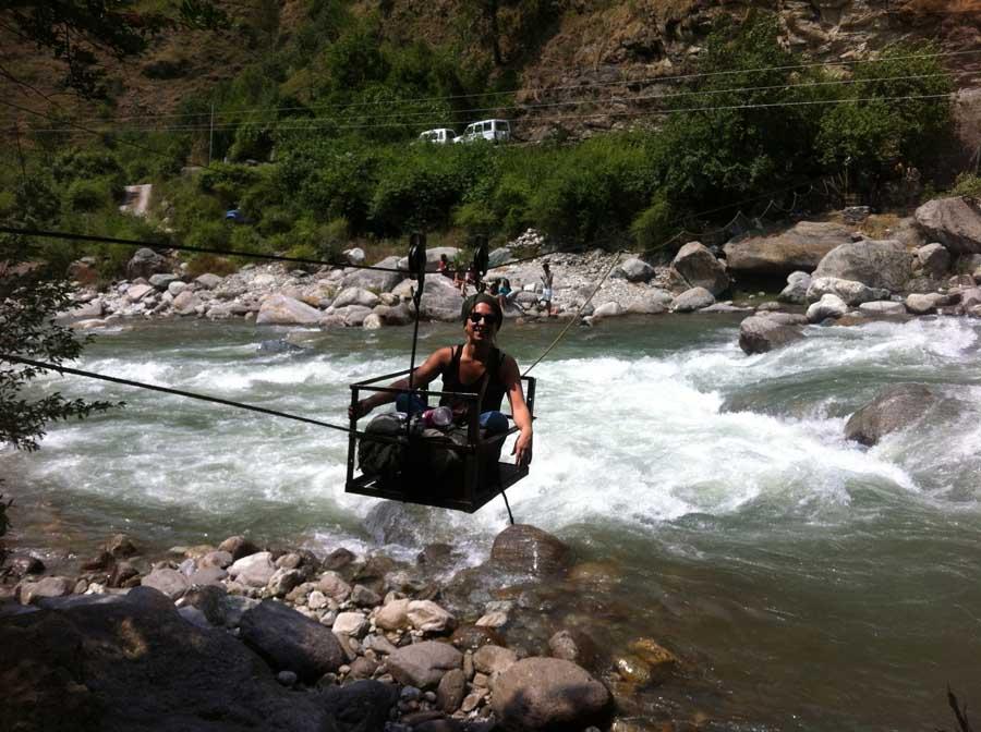 """Der """"Hängewagen"""" über dem Fluss"""