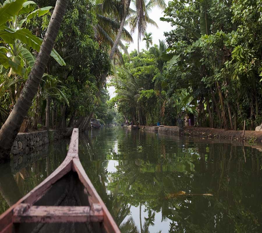 Kahnfahrt auf die Backwaters