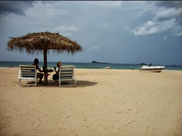 Sur la plage de Trincomalee