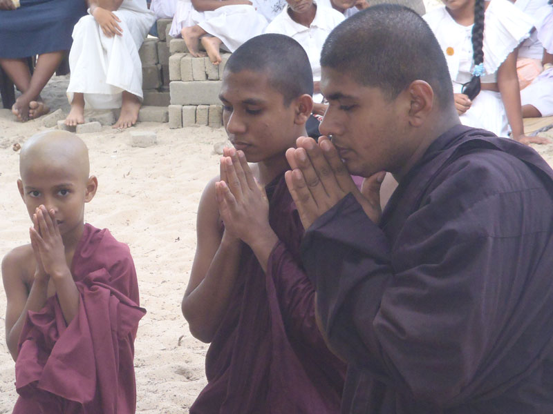 Dulanjane avec les moines