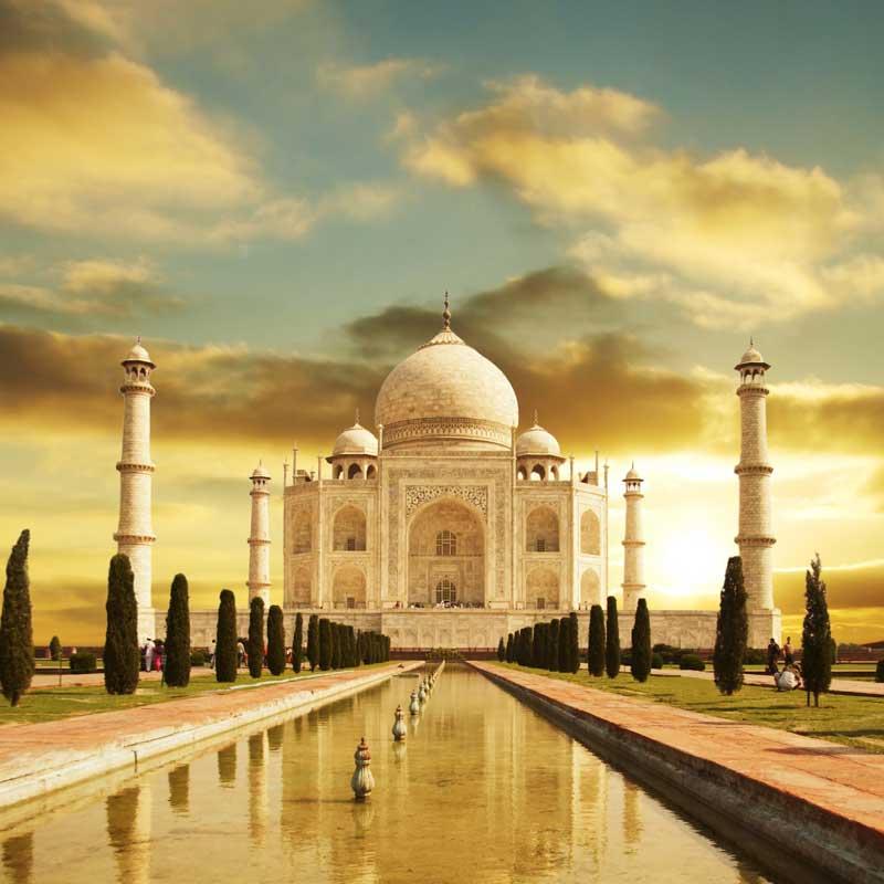 Le Taj Mahal au soleil couchant
