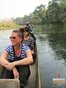 En-canoë-dans-le-Parc-de-Chitwan