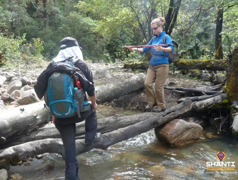 Passage de gué au Bhoutan
