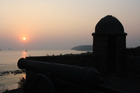 Sunset at the Reis Magos Fort in Varem
