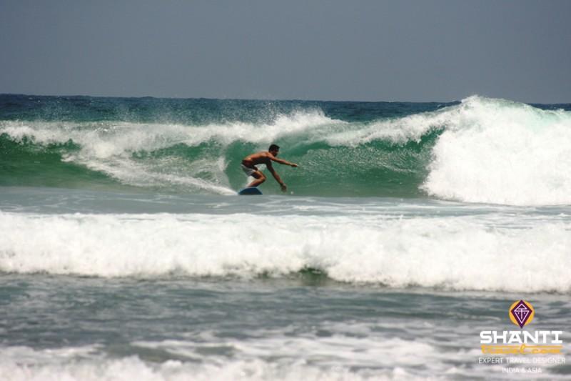 Jeremy surf Hikkaduwa