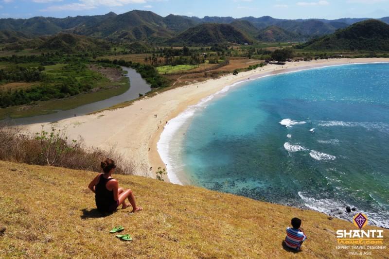 plage-au-sud-de-lombok-en-indonesie