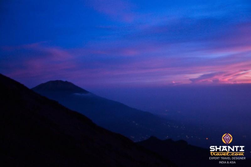 Lever de soleil au Mont Merapi