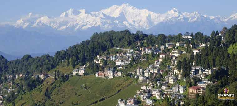 Darjeeling-Kangchenjunga-view