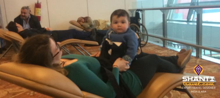 Bébé à l'aéroport