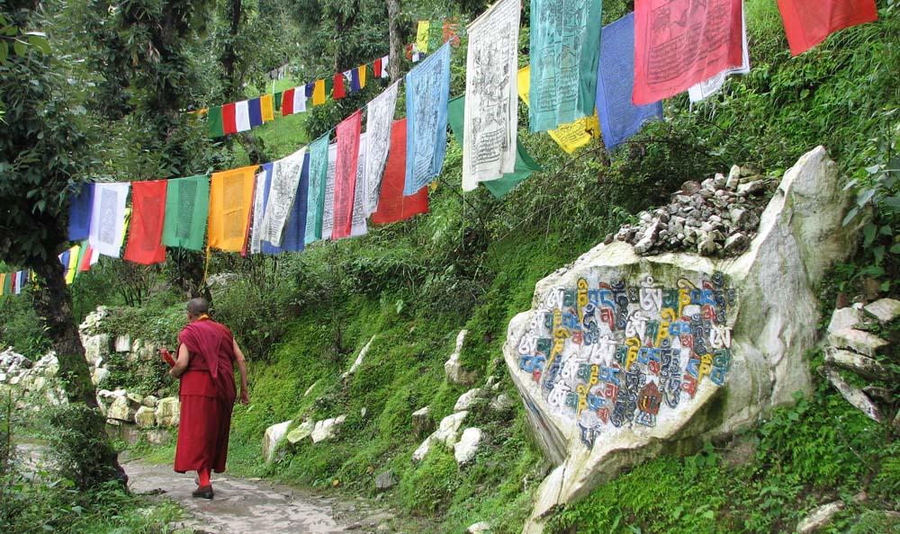 Chemin drapeaux Tibet