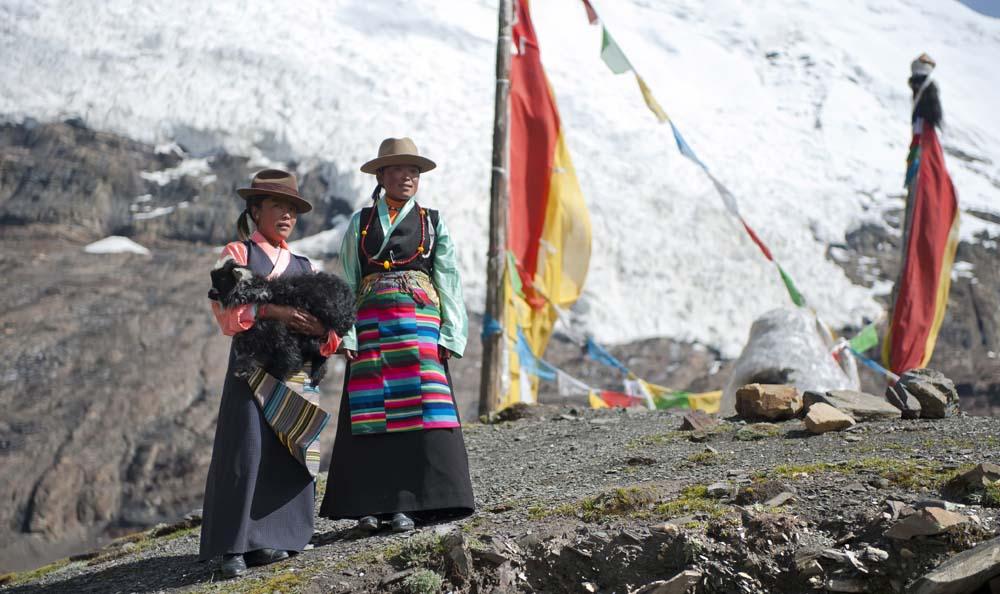 Deux jeunes tibétaines