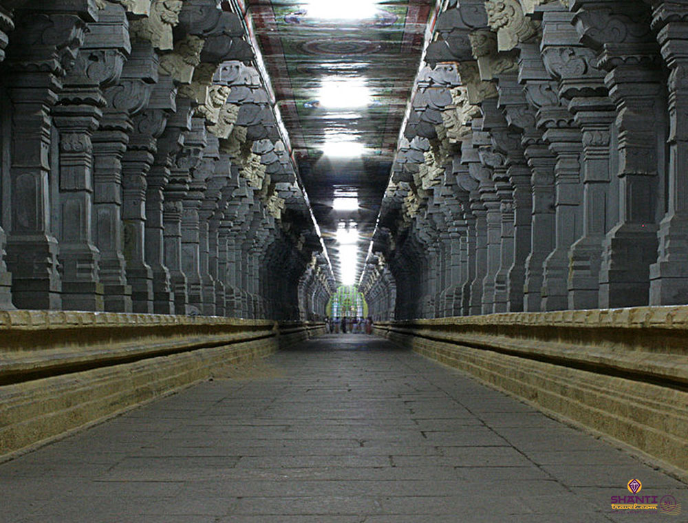 Sri_Ramanatha_swamy_Temple_Carridor