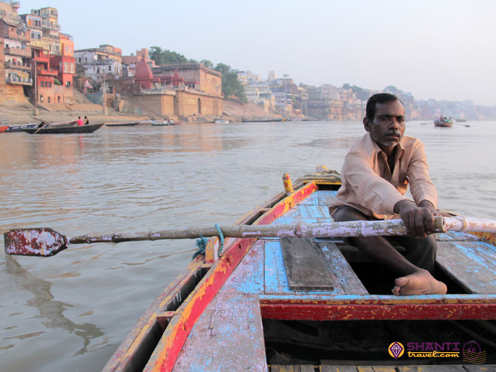baot ride in ganges