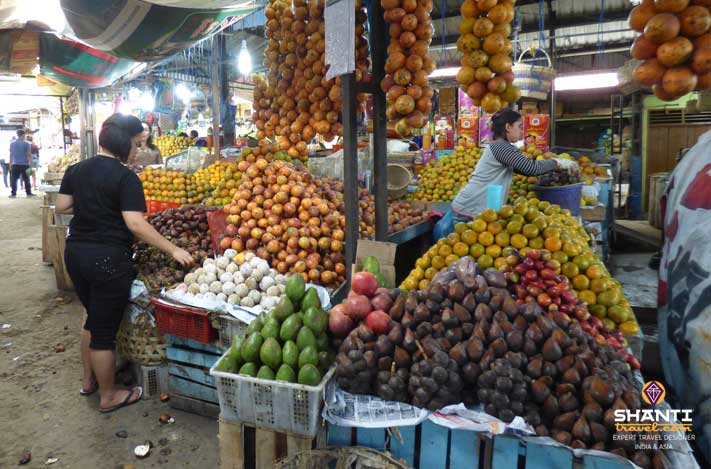 Marché de fruits Berastagi
