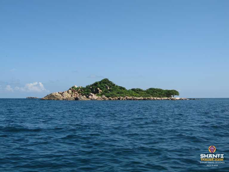 pigeon-island-sri-lanka