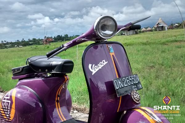 Bali tour in Vespa