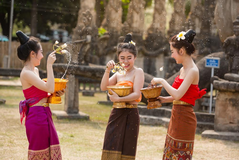 songkran-laos